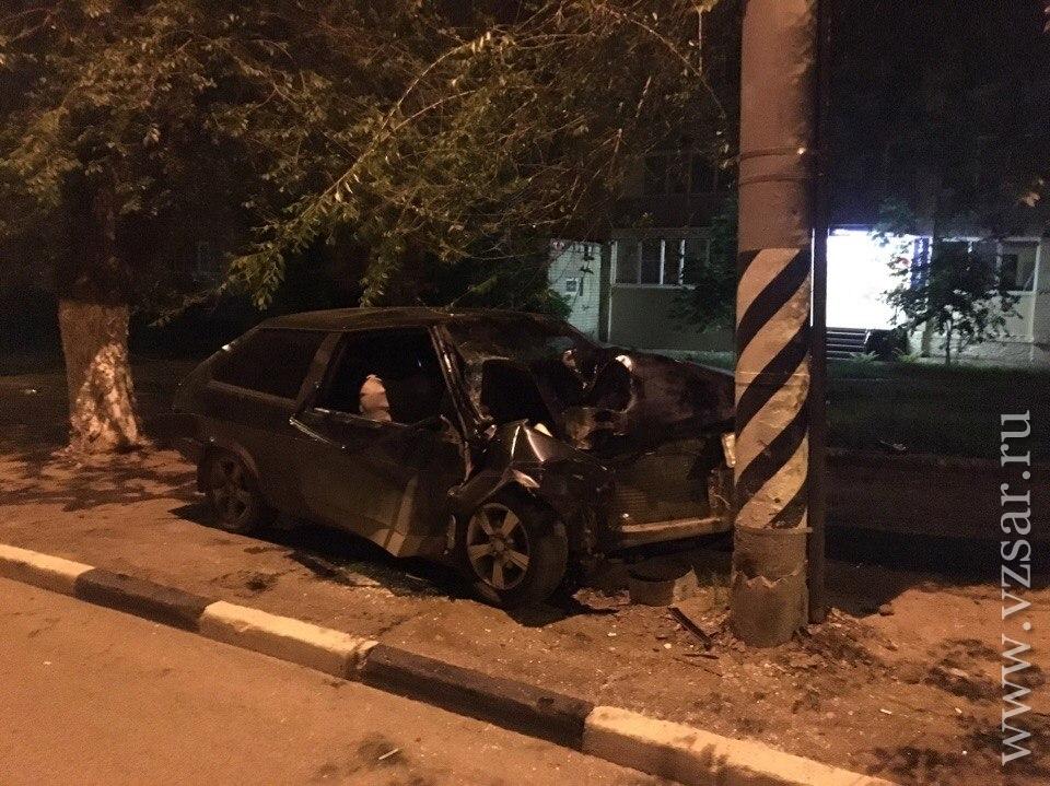Вночной трагедии наШелковичной пострадали три молодых человека