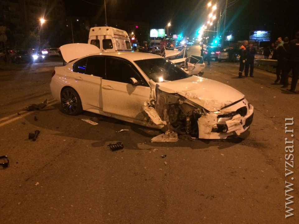 Вмассовом ДТП вСаратове погибли 2 человека