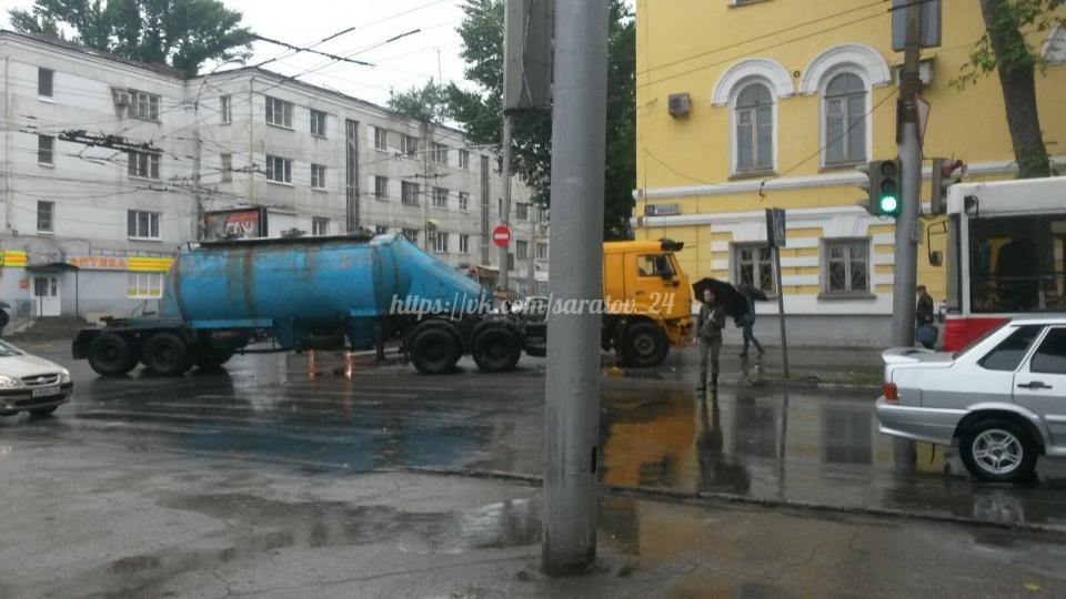 ВДТП сКамАЗом пострадали 3 пассажирки микроавтобуса