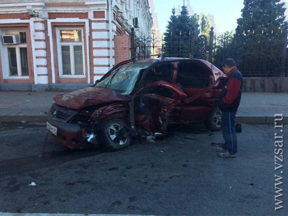 ВСаратове уздания областного руководства случилось ДТП