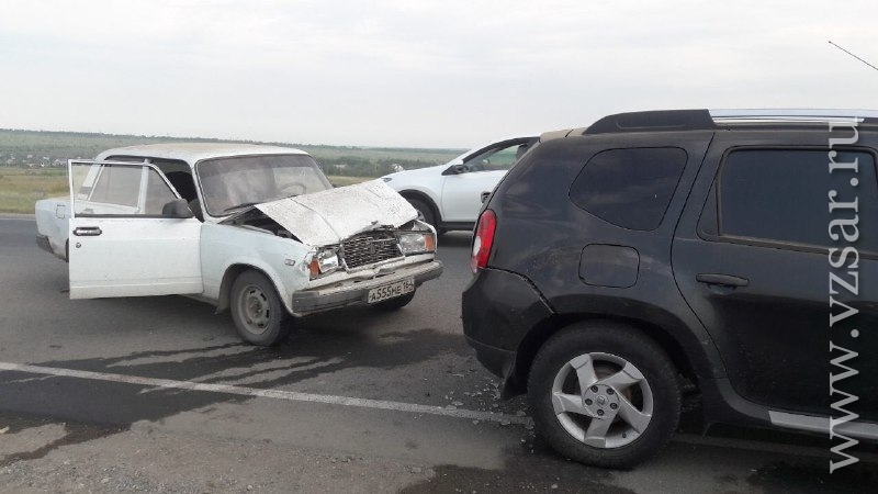 Один человек умер исемеро пострадали вДТП под Саратовом