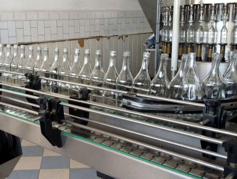 ВСаратове полицейские изъяли около млн бутылок нелегального алкоголя