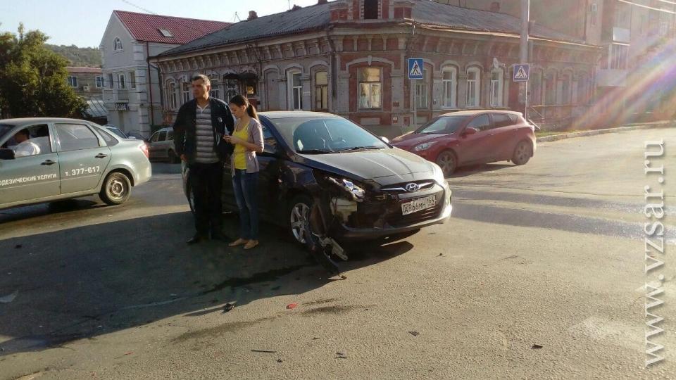 ВСаратове при столкновении 2-х авто пострадал пешеход