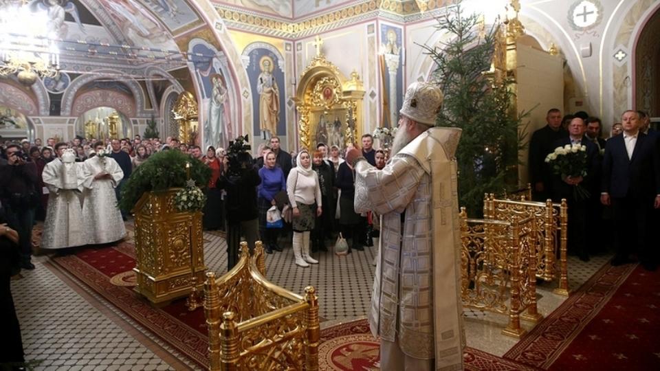 Рождественская служба в Свято-Троицком соборе. Фоторепортаж