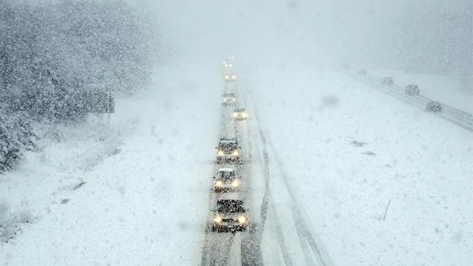 ВСаратовском районе для фургонов перекрыли федеральную дорогу