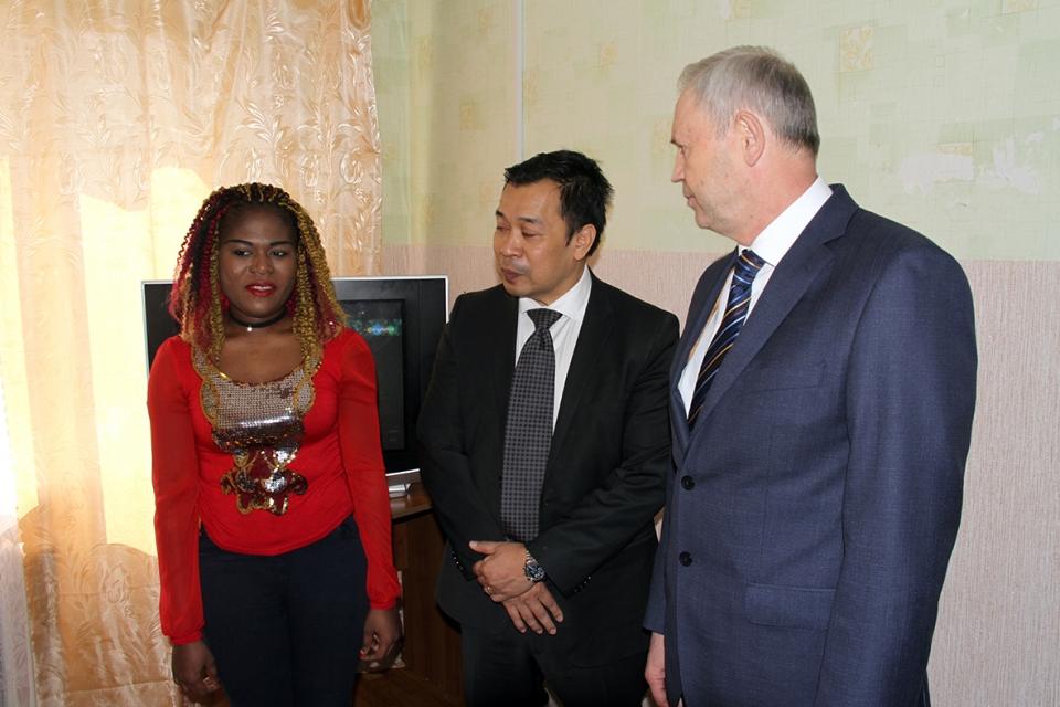 Николай Трифонов и представитель ООН встретились с беженцами