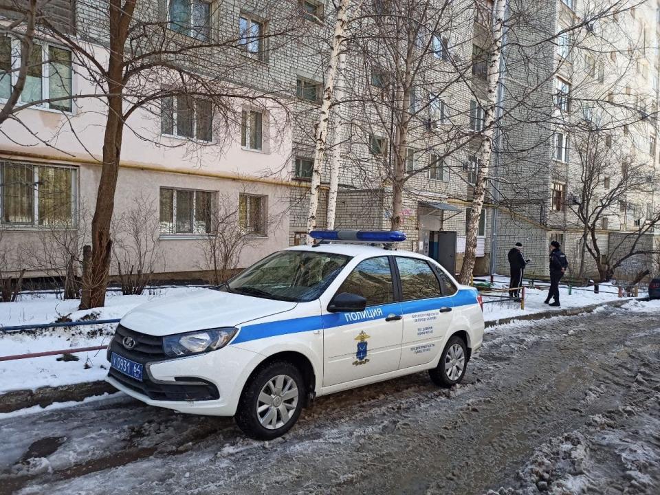 В Ленинском районе Саратова погибла девушка выпавшая с 9-го этажа