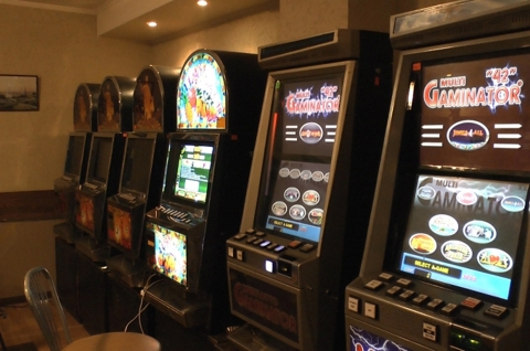 Игровые автоматы саратов 2012 скачать полные игровые автоматы
