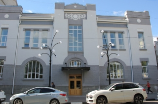 Губернатор пригрозил отставками ответственным за ремонт старого тюза