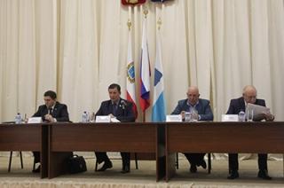 На чиновников из бюджета Саратова потратят почти 900 миллионов рублей