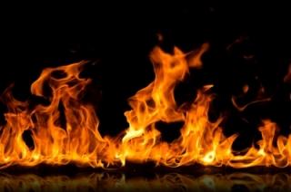 На пожаре в Кировском районе пострадали три человека