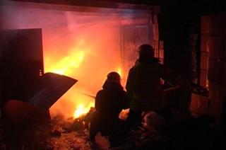 Мужчина сгорел в гараже вместе с автомобилем