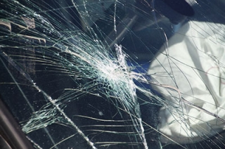 """Неизвестный водитель сбил женщину на """"зебре"""" и скрылся"""