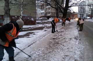 От снега и наледи очистили тротуары Московской и Чапаева