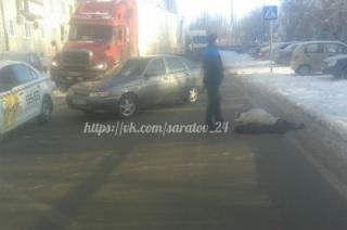 В Саратове пожилую женщину сбили на пешеходном переходе