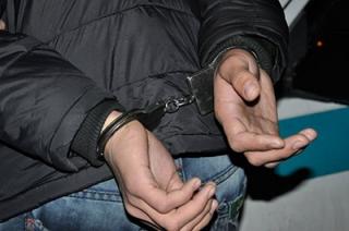 При попытке задержать грабителя пострадал случайный прохожий