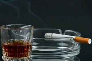 С января повысились акцизы на алкоголь, табак и бензин