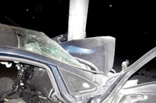 Три человека пострадали в ДТП со столбом в Энгельсе