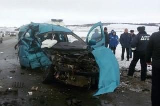 В смертельном ДТП под Татищевом участвовали три машины