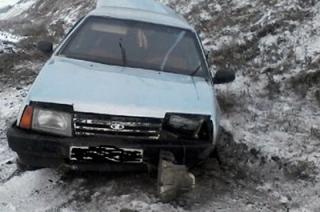 Молодой саратовец госпитализирован после съезда машины в кювет