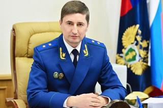Сергей Филипенко потребовал немедленно убрать снег с городских улиц