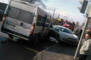 Три пассажирки пострадали в ДТП с маршруткой в Заводском районе