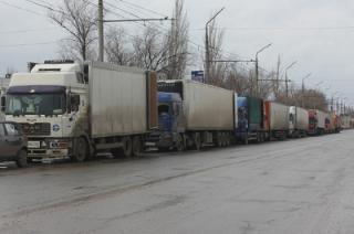 """Саратовские участники стачки дальнобойщиков: """"Мы стоим, мы не работаем"""""""