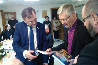 Министр Сергей Зюзин принял в Саратове делегацию лютеранских епископов