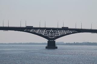 """В аварии на мосту """"Саратов-Энгельс"""" получили травмы две женщины"""