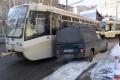 Близ Мирного переулка блокировано движение трамваев.