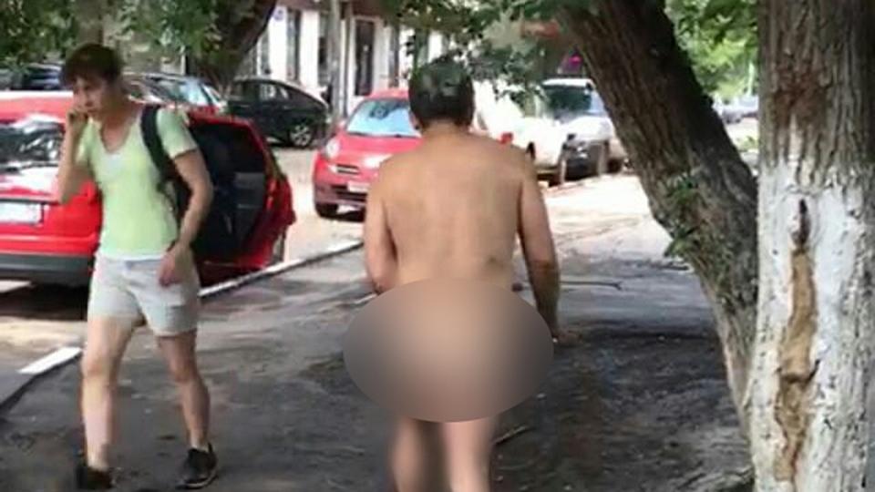 Мужчина на Ауди столкнулся с 2-мя легковушками и исчез сместа ДТП