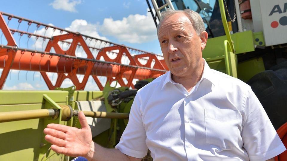 Валерий Радаев попросит президента поддержать русских аграриев пообразцу Саратовской области