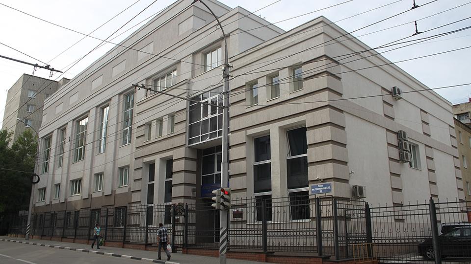 Двое школьников осуждены загрупповое изнасилование 12-летней девушки