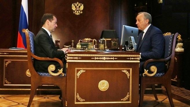 Д. Медведев  обсудил сВалерием Радаевым инвестиции вСаратовскую область