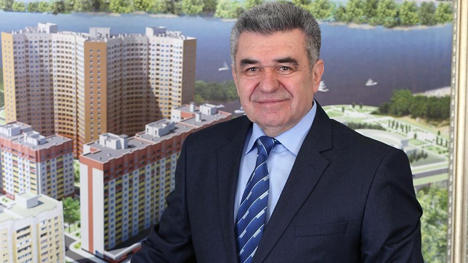 награжден знаком почетный строитель россии