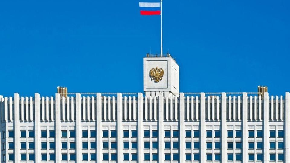 Медведев позволил госкомпаниям не открывать данные оподрядчиках, асиловикам— засекретить закупки