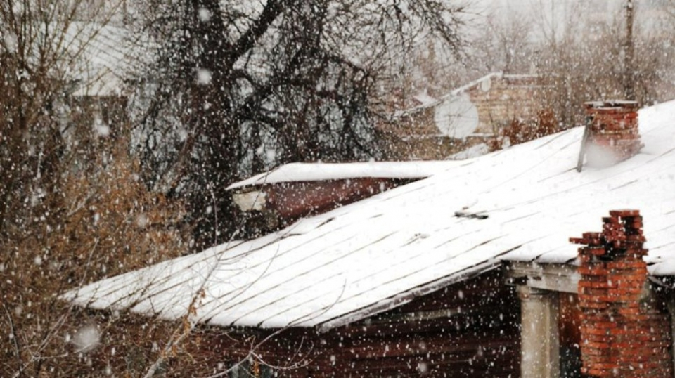 В первый рабочий день года саратовцам обещают снег и сильный ветер