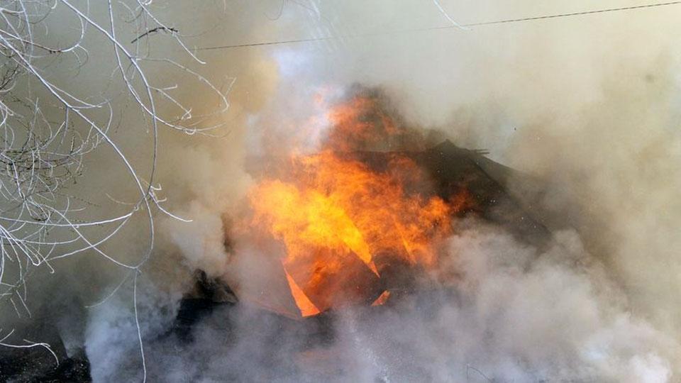 ВМарксе напожаре вмногоквартирном доме погибли пятилетний парень иженщина