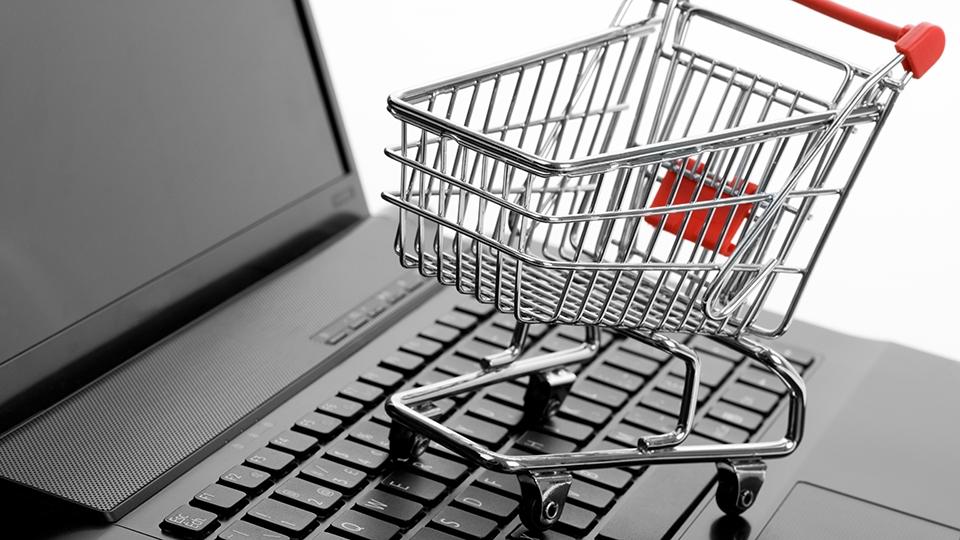 Руководство подготовит новые ограничения для иностранных онлайн-магазинов