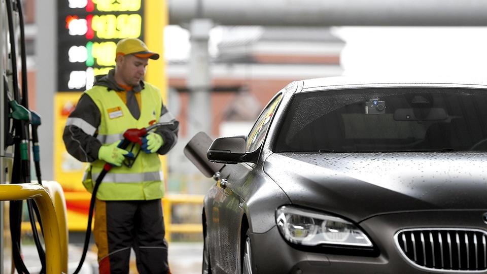 ФАС усилила контроль заценами набензин