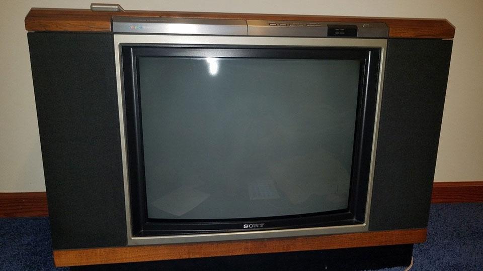 Саратов   В Энгельсе квартирант сдал в ломбард краденый телевизор ... bcb5ca2fa7c