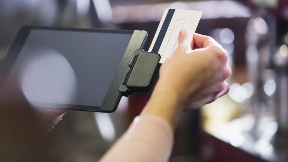 Операторы систем платежей просят ограничить оборот подарочных карт— Подарки сосмыслом