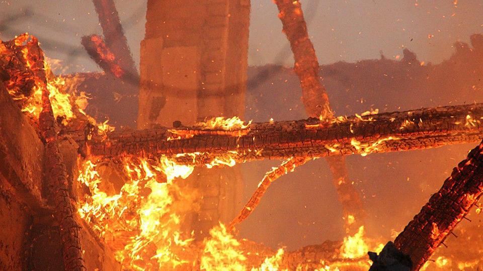Неосторожный курильщик пострадал на пожаре