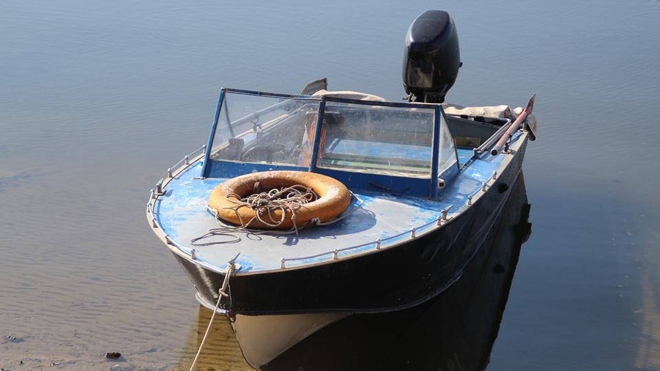 """Двое воров объяснили угон лодки """"отсутствием сил"""""""