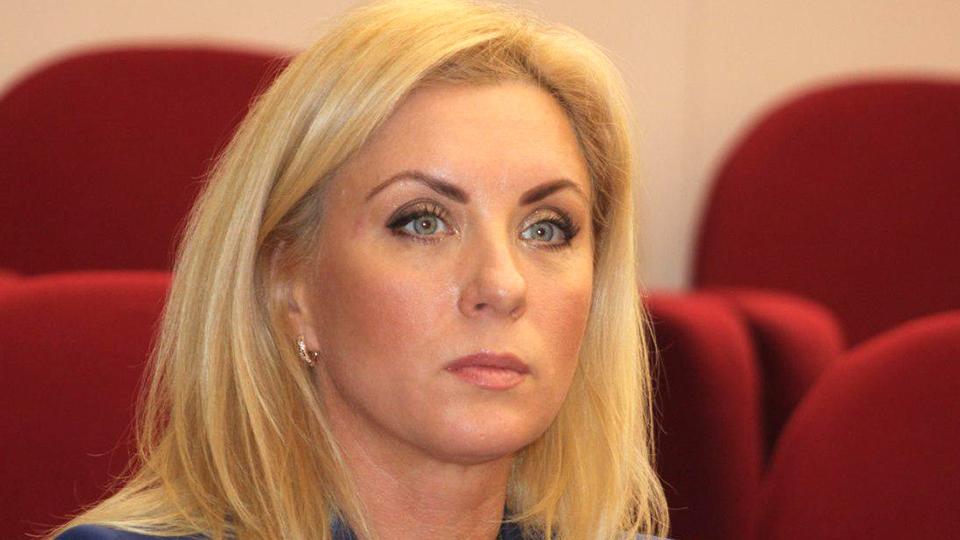 Елена Салеева получила взятки в виде наличных и Lexus